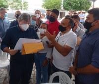 Governador da Paraíba visita a cidade de Arara